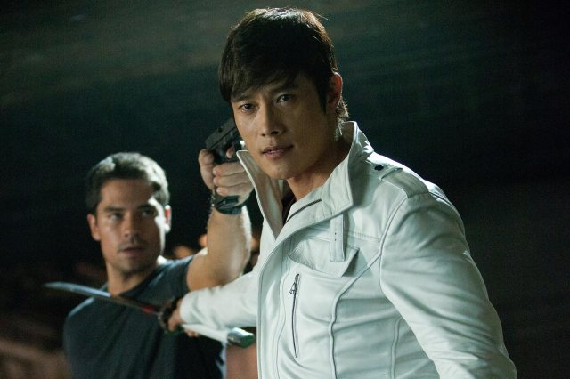 Byung-hun Lee is actually one of the better cast members, and there are A LOT.