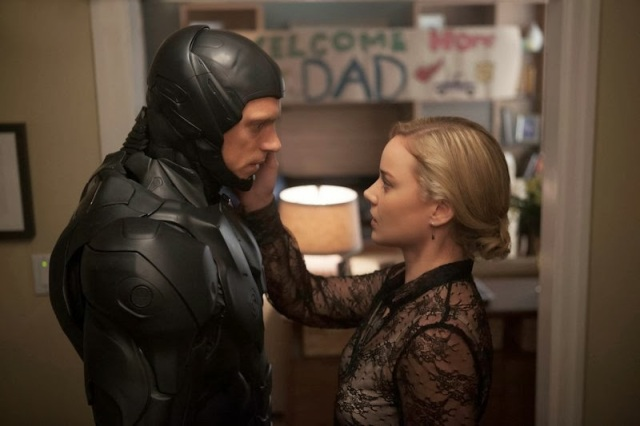 Unfortunately, Abbie Cornish isn't the best actress for Clara Murphy, who isn't that good a character anyway.