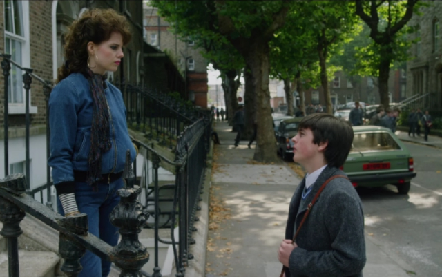 Raphina (Lucy Boynton) and Conor (Ferdia Walsh-Peelo) in Sing Street